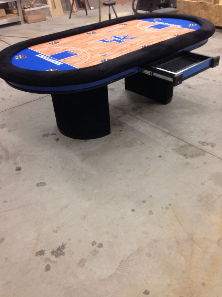 Big Oval Tables K And J Poker